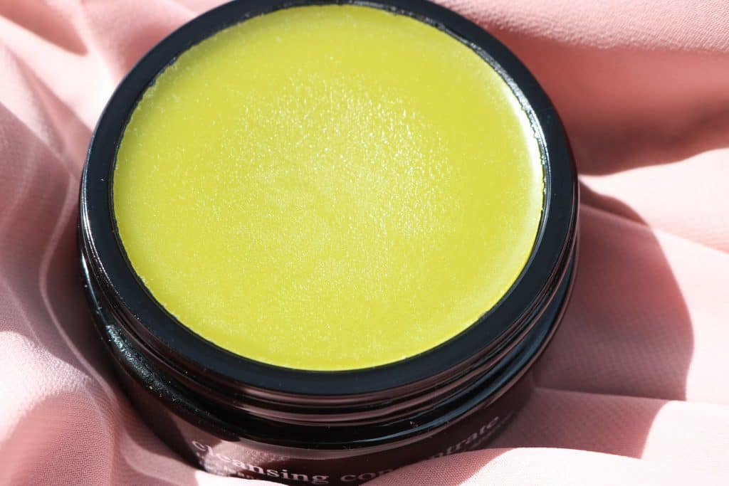 texture of deviant cleansing concentrate