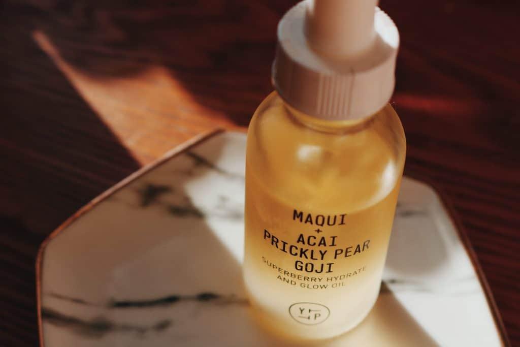 YTTP maqui + acai prickly pear goji supereberry hydrate and glow oil